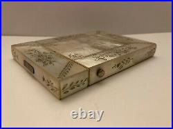 Mother of pearl chinese carved card case for export market XIX Century